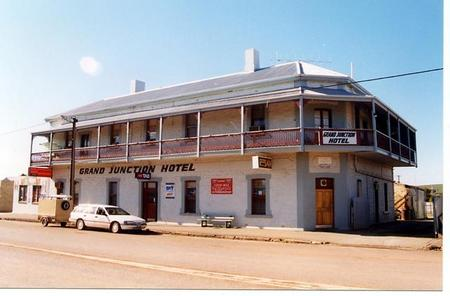 Grand Junction Hotel - Accommodation Perth