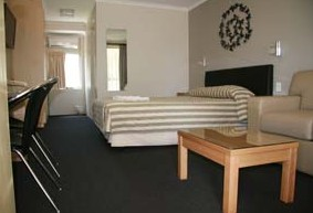 Queensgate Motel - Accommodation Perth