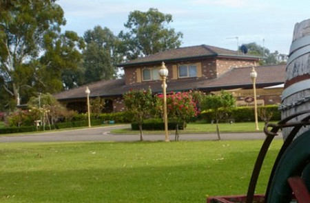 Carriage House Motor Inn - Accommodation Perth