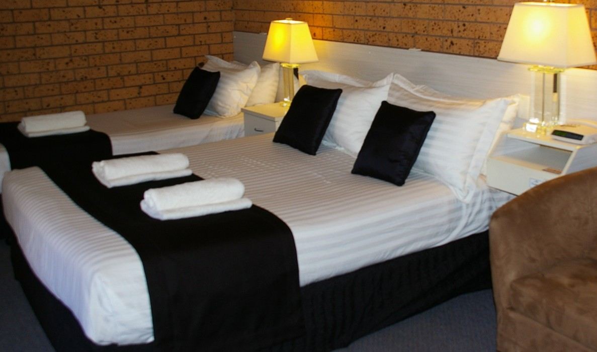 Golden Harvest Motor Inn - Accommodation Perth