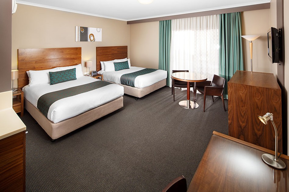 Quality Hotel Dickson - Accommodation Perth