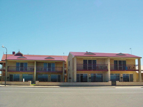 Tumby Bay Hotel Seafront Apartments - Accommodation Perth