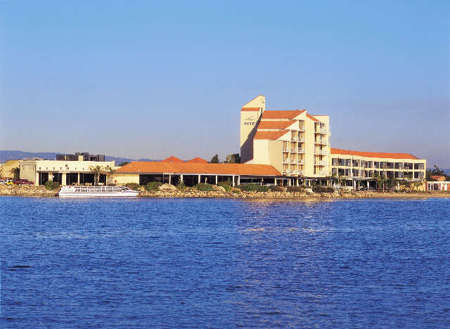 The Lakes Resort Hotel - Accommodation Perth