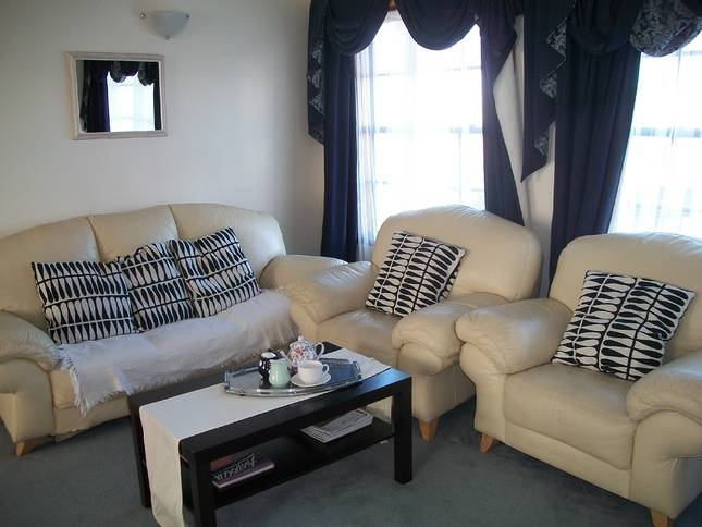 Beachside Apartment - Hove