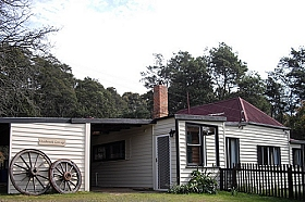 Glenbrook House and Cottage - Accommodation Perth