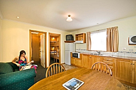 Leisureville Caravan Park - Accommodation Perth