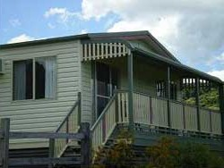 Halls Country Cottages - Accommodation Perth