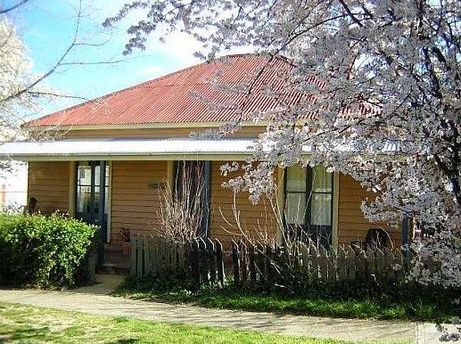 Cooma Cottage - Accommodation - Accommodation Perth