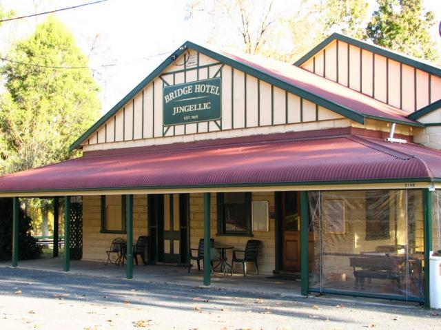 Bridge Hotel at Jingellic - Accommodation Perth
