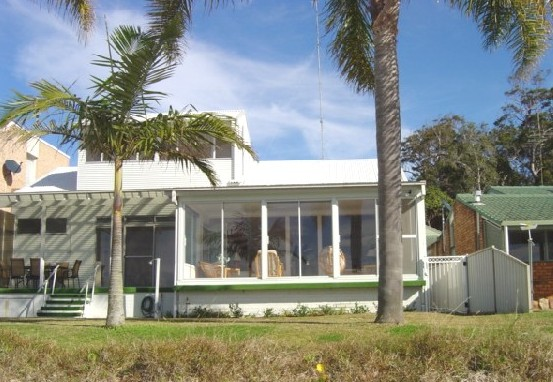 8 Seaview Crescent - Accommodation Perth
