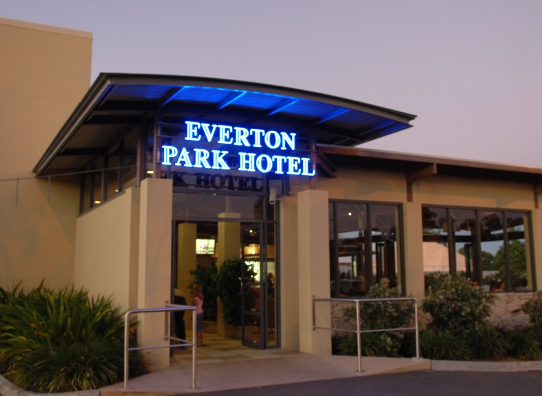 Everton Park Hotel - Accommodation Perth