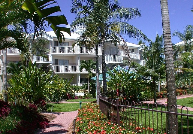 Australis Cairns Beach Resort - Accommodation Perth