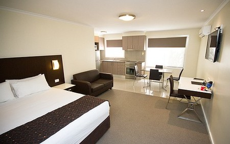 Country Comfort Premier Motel - Accommodation Perth