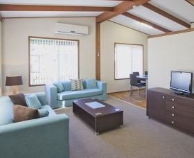 Karalta Court Village - Accommodation Perth