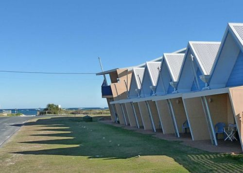 Windsurfer Beach Chalets - Accommodation Perth