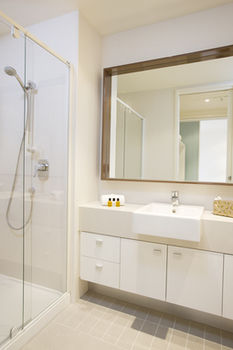 Melbourne Short Stay Apartments on Whiteman - Accommodation Perth