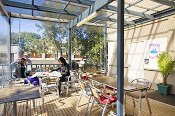 Cambridge Lodge - Hostel/Backpacker - Accommodation Perth