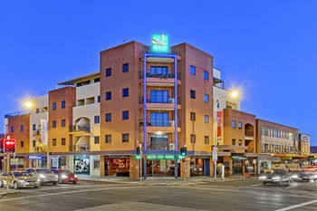Quality Suites Boulevard On Beaumont - Accommodation Perth