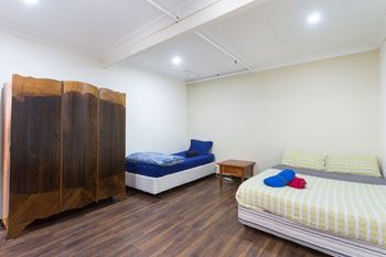 The Village Glebe - Hostel - Accommodation Perth