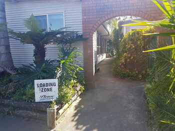 Bentley Waterfront Motel amp Cottages - Accommodation Perth
