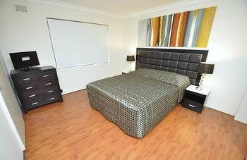 Balmain 3 Mont Furnished Apartment - Accommodation Perth