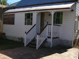 A Pine Cottage - Accommodation Perth