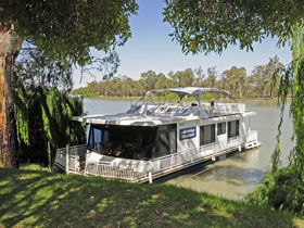 Boats and Bedzzz - The Murray Dream self-contained moored Houseboat - Accommodation Perth