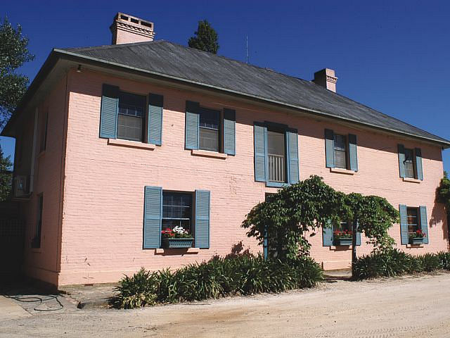 Briars Country Lodge and Briars Historic Inn