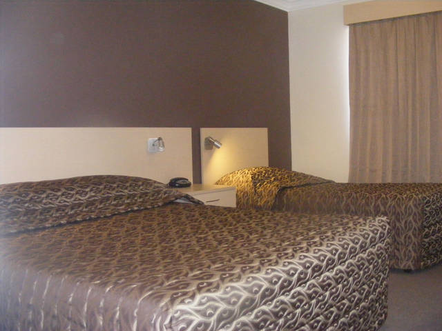 Econo Lodge Moree Spa Motor Inn - Accommodation Perth