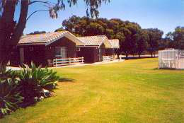 Highview Holiday Village Caravan Park - Accommodation Perth