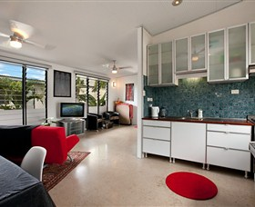 Beachside Tropical Retreat - Accommodation Perth