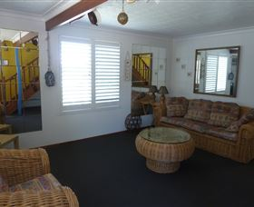 Sails Beach House Apartment Pottsville - Accommodation Perth