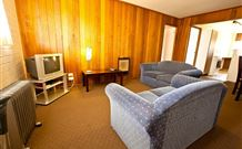 Snowy Mountains Motel - Adaminaby - Accommodation Perth