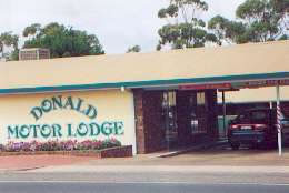 DONALD MOTOR LODGE