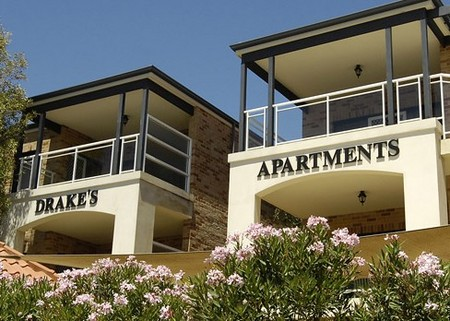 Drakes Apartments with Cars - Accommodation Perth