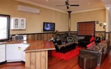 Top of the Range Retreat - Accommodation Perth