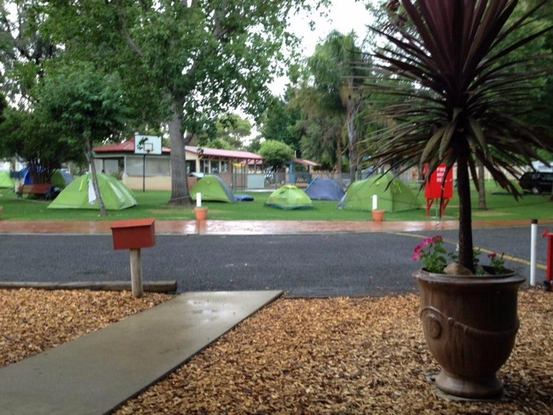 Young Caravan Tourist Park - Accommodation Perth