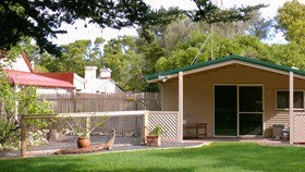 Shiralea Country Cottage - Accommodation Perth