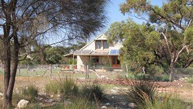 Broken Gum Country Retreat - Accommodation Perth