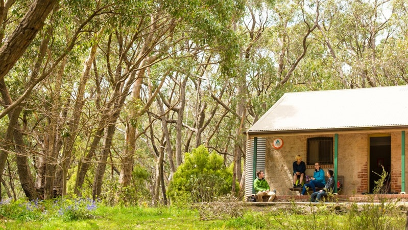 Mount Lofty Cottage YHA - Accommodation Perth