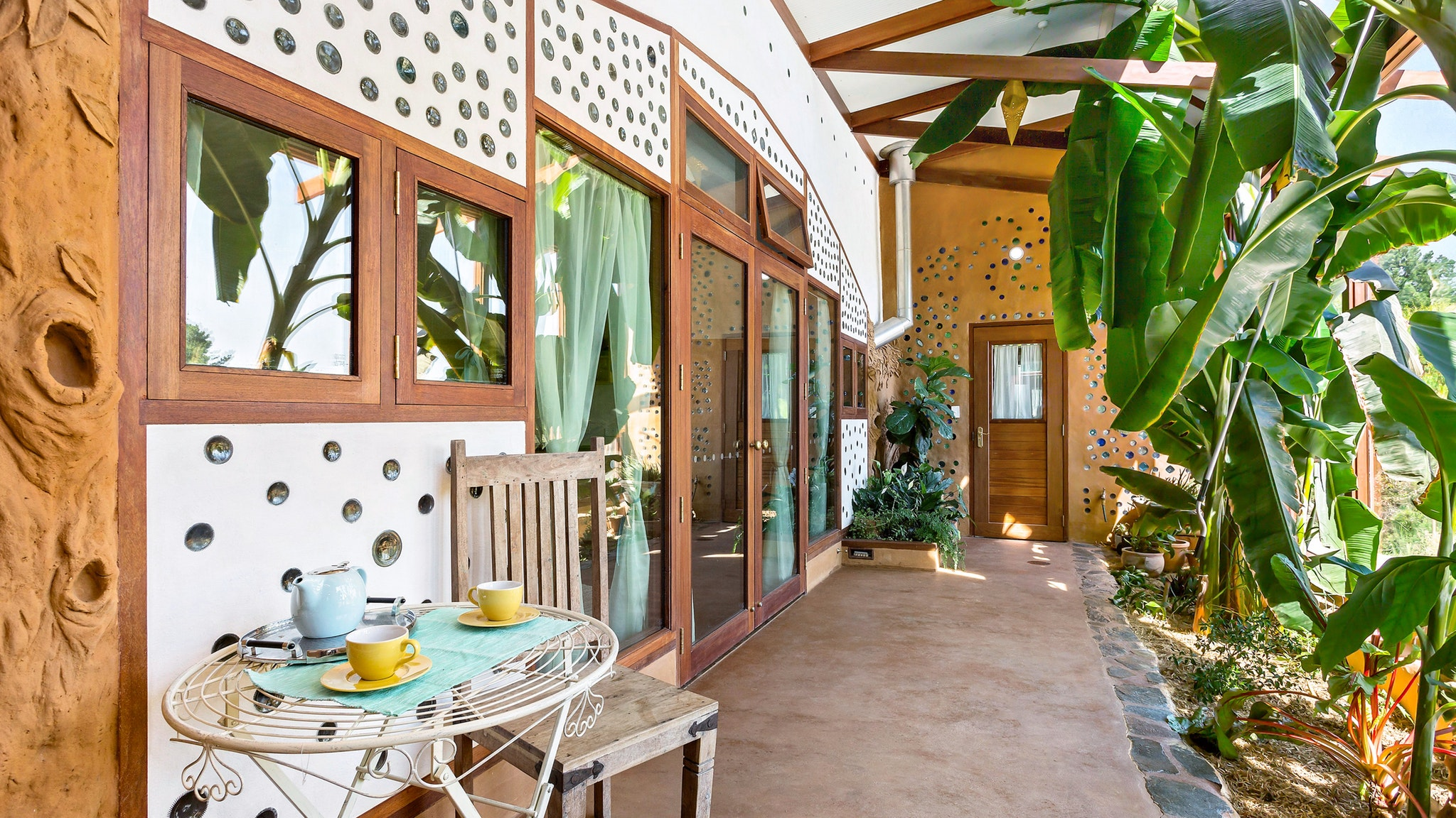 Earthship Ironbank - Accommodation Perth