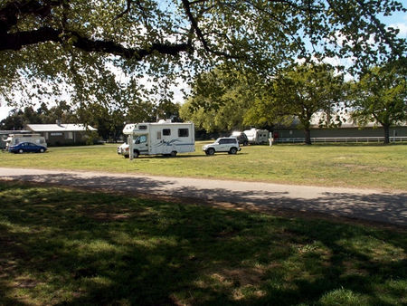 Sale Showground Caravan and Motorhome Park - Accommodation Perth