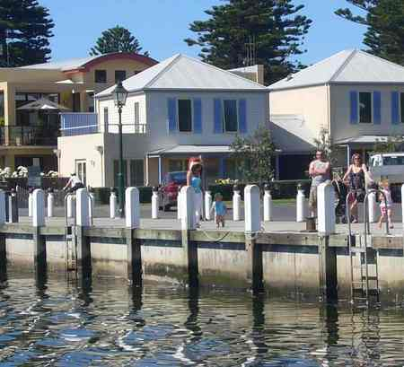 Dockside Waterfront Indulgence - Accommodation Perth