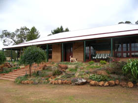Yayl Lodge Bed  Breakfast - Accommodation Perth