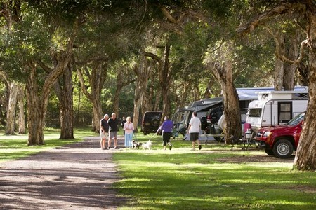 Beachfront Holiday Park - Accommodation Perth