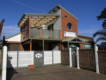 Black Dolphin Townhouse and Apartment - Accommodation Perth