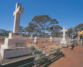 Coolgardie Cemetery - Accommodation Perth