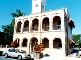 Mackay Town Hall - Accommodation Perth