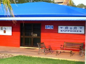 M and M Sapphires - Accommodation Perth