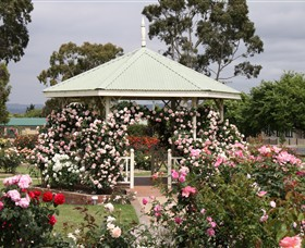 Morwell Centenary Rose Garden - Accommodation Perth